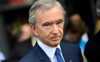 LVMH boss Arnault says assets referred to in 'Paradise Papers' known to tax bodies