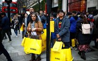 Big discounts fail to draw UK shoppers to post-Christmas sales