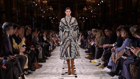 9f3a84b40d Stella McCartney - Women's Autumn/Winter 2019/20 Show in Paris (with  interview) - Video (#21150)